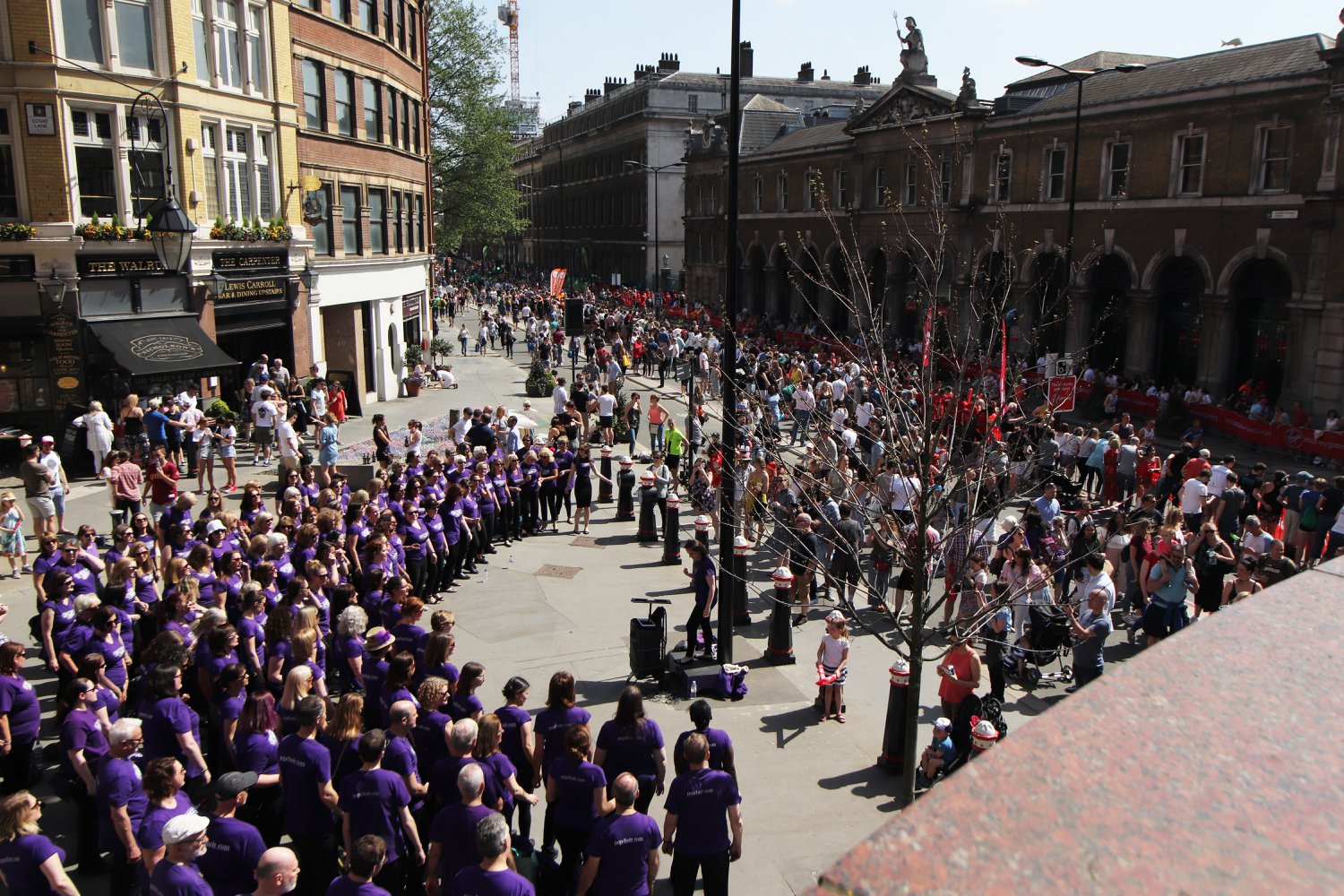 Popchoir at the London Marathon